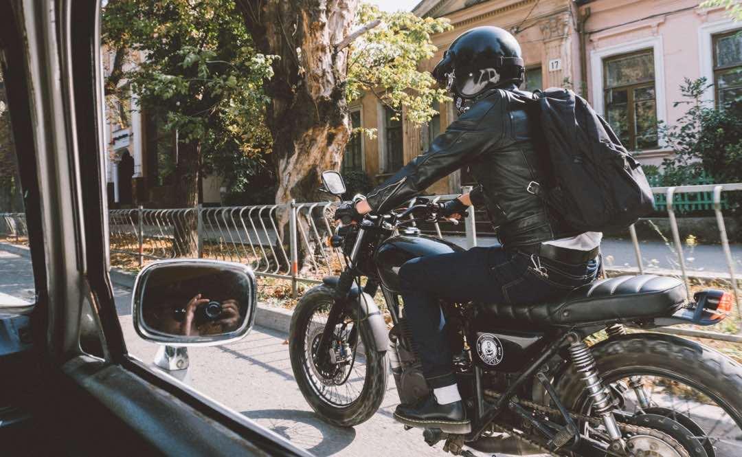 一人暮らしなら車よりバイクが良い理由 51